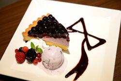 Good Smile Cafe x DRTA 2013 Food Kirigiri Cake.jpg
