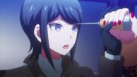 Despair Arc Episode 5 - Mukuro stopping Junko from stabbing her.png