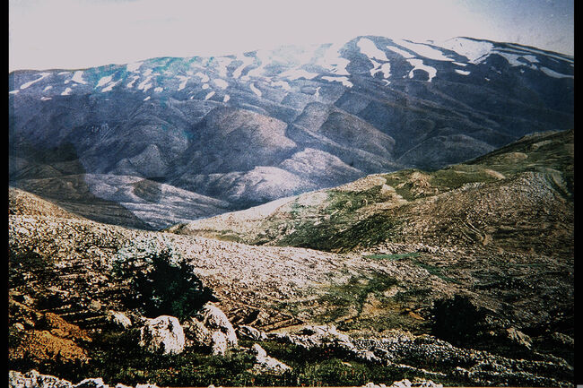 SNOW-COVERED MOUNTAINS (PROBABLY THE HERMON). COLOR PHOTO TAKEN IN THE LATE 19TH CENTURY BY FRENCH PHOTOGRAPHER OF PALESTINE PEOPLE AND PLACES, BONFILS. צילום צבע מסוף המאה ה1