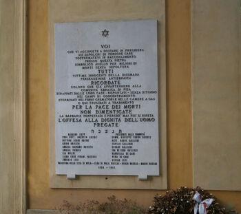לוח זכרון לשואה בית הקברות בפיסא