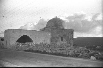 RACHEL'S TOMB NEAR THE ENTRANCE TO BETHLEHEM. קבר רחל בבית לחם.D11-133
