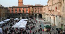 Piazza duomo mercato reggio emilia