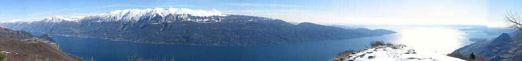 Cima Comer panorama Lago di Garda.jpg
