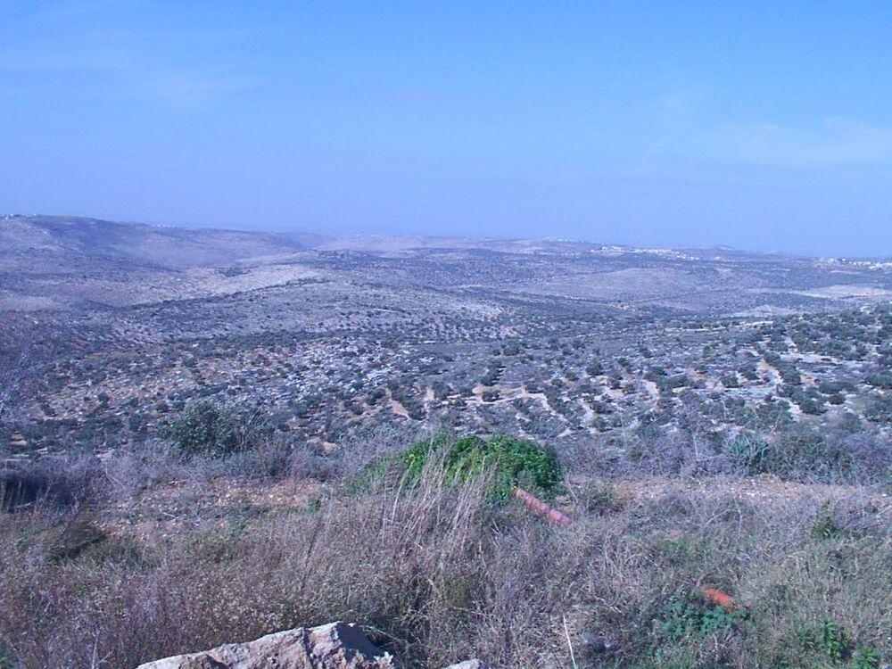 תמונה פנורמי מהר חמד - שכונה בקדומים - לעבר שפלת החוף - לצפיה מלאה הזז את הסרגל