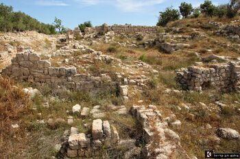 שרידי ארמון אחאב