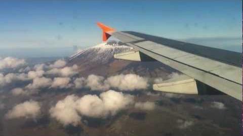 Aereo in volo sull' Etna e Sicilia orientale