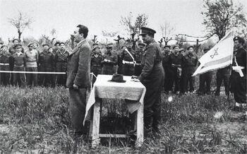 איטליה - מר שרת בטקס הנפת הדגל של הבריגדה היהודית-JNF040195