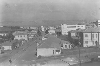 THE MAIN STREET IN BNEI BRAK. הרחוב הראשי בבני ברק.D27-049