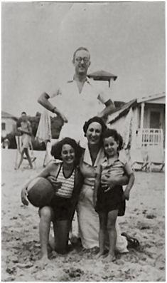 Bruno a mare con la familia