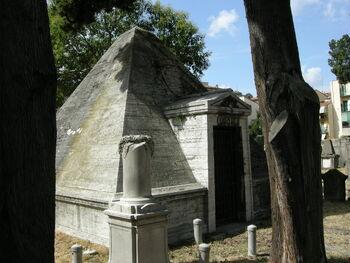 Vecchio cimitero ebraico di firenze, piramide 03