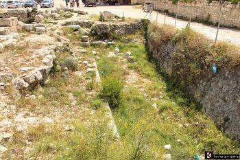 כאן היה - כנראה - שער העיר הישראלית