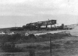 שדה חלץ לאחר גילויו - שדה הנפט חלץ היה קידוח הנפט הראשון שהצליח במדינת ישראל. הנפט פרץ מהקידוח ב-1955 והיווה סיבה לחגיגות ולכתיבת שירים במדינה הצעירה צילם:Elazar Beith Yakov