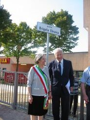 Il presidente UCEI Renzo Gattegna con la vicesindaco di Pesaro Giuseppina Catalano