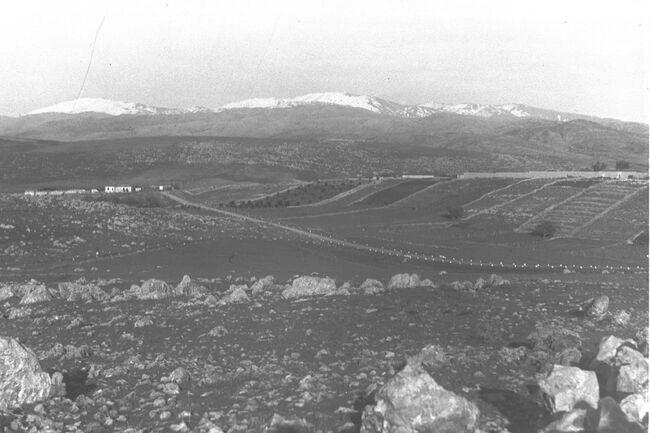 SNOW COVERED SLOPES OF MT. HERMON SEEN FROM METULA. נוף של הר חרמון המושלג ממטולה.D29-035