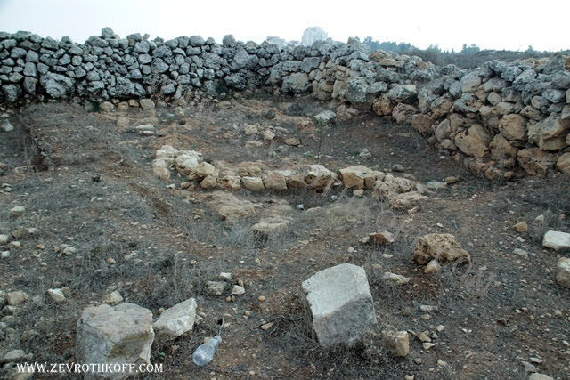 חפירות ארכיאולוגיות מימי האבות בגבעת השישה עשר