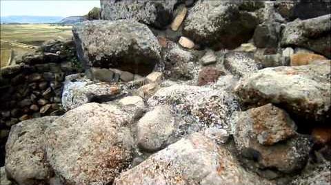 סו_נוראז'י_די_ברומיני_-_האתר_הארכאולוגי_המרכזי_בסרדיניה