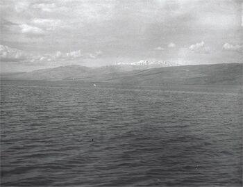 החולה - מראה על מי מרום והרי הלבנון.-JNF037091