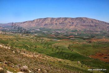 Mount tamun and tirza valley 01