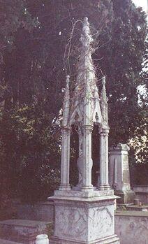 Memorial Monument of Ventura a Pisa Cemetery full 04
