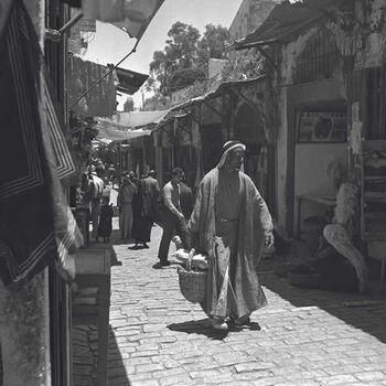 בסמטאות העיר העתיקה בירושלים-JNF013007