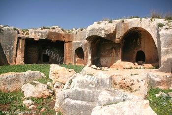 קברים מבית שני בחורבת כורכוש333