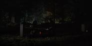 DARK 1x05 0086–Ines visits Michael's grave