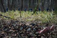 DARK Still S1 - Mads' body in forest