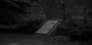 DARK 1x01 BunkerDoor