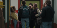DARK 1x05 0038–Ulrich 1986 with girls
