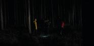 DARK 1x01 Teens walkthrough woods