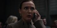DARK 1x01 Regina receivescall