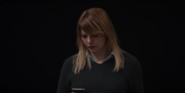DARK 1x01 Katharina receivescall
