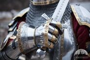 Hourglass-finger-gauntlets-kings-guard-medieval-armor-sca