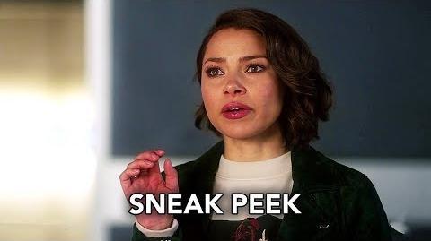 "The_Flash_5x12_Sneak_Peek_""Memorabilia""_(HD)_Season_5_Episode_12_Sneak_Peek"