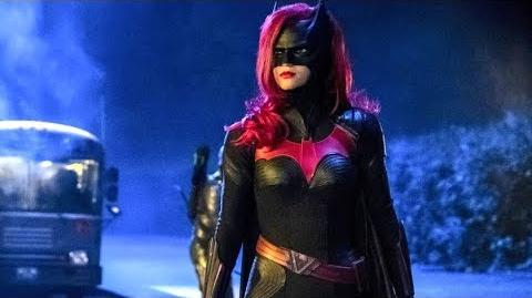 DCTV_Crossover_Elseworlds_Part_2_Promo_Batwoman,_Supergirl,_Arrow,_The_Flash_Crossover_Promo