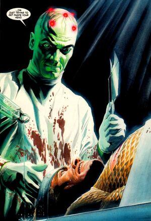 Brainiac, é um cientista que usa medidas extremas para ganhar e preservar o conhecimento.