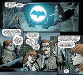 Gordon acende o Bat-Sinal pela primeira vez
