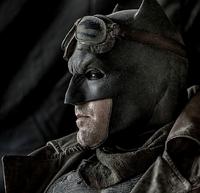 Batman se prepara para a guerra no deserto