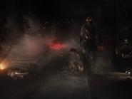 Darkseid observa enquanto Superman chora sobre o cadáver de Lois Lane