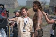 JL-BTS - Zack Snyder and Jason Momoa on set