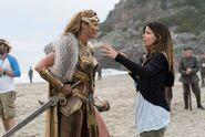 WW-BTS - Connie Nielsen and Patty Jenkins on set