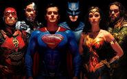 Justice League - Group portrait with Superman
