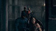 Justice League (2017) JL in barn