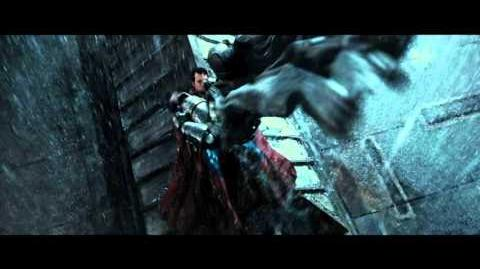 """BATMAN VS SUPERMAN EL ORIGEN DE LA JUSTICIA - Gladiador 20"""" - Oficial Warner Bros"""