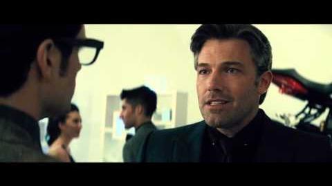 Batman v Superman El Amanecer de la Justicia - Clip 2