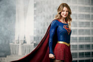 Supergirl-wallpaper-03