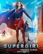 Supergirl - Heroes v Aliens