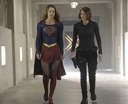 Supergirl-season-1-episode-9-Supergirl-Alex