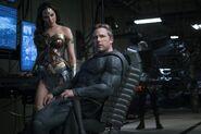 Justice-League-Ben-Affleck-Batman-Gal-Gadot-Wonder-Woman