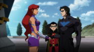 Starfire Robin Nightwing JLvsTT 1